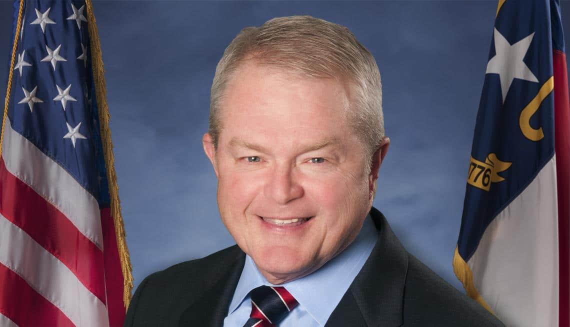 Director de emergencias de Carolina del Norte anuncia su jubilación