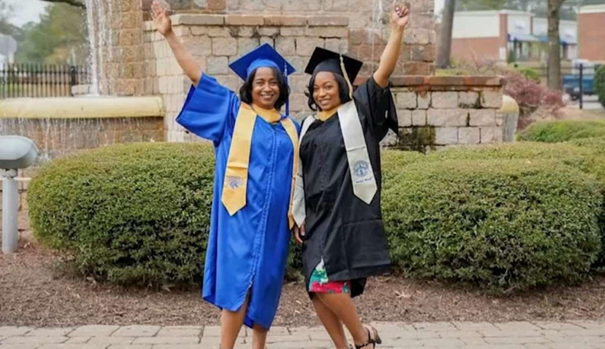 Madre e hija graduación