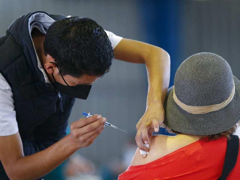 Panamá autorizan vacuna Sputnik V, solicitarán lotes