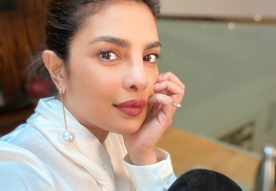 Priyanka Chopra ayuda India
