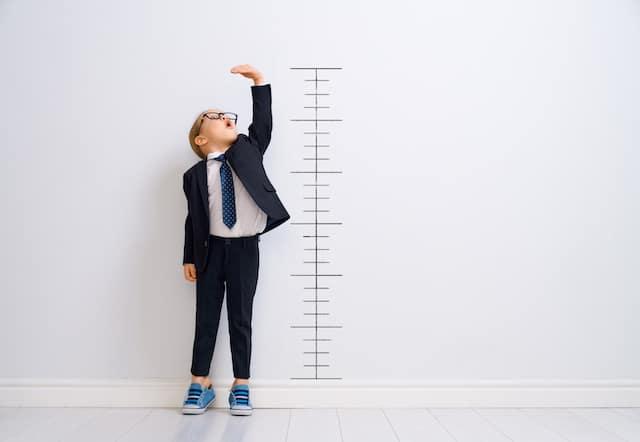 ¿Cómo saber si un niño tendrá estatura baja?