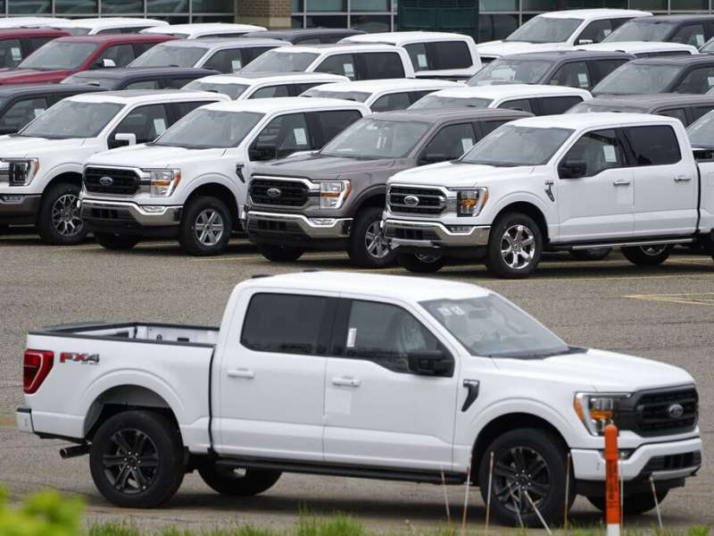Escasez de chips global afecta mercado de autos