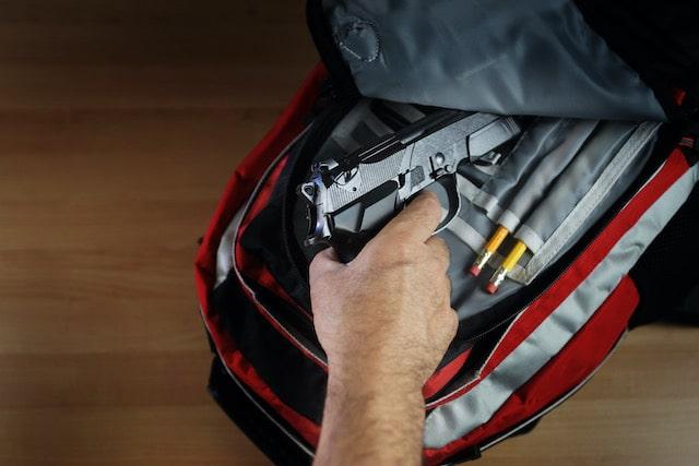 Estudiante de 6to grado arrestado por traer arma a escuela en Carolina del Norte