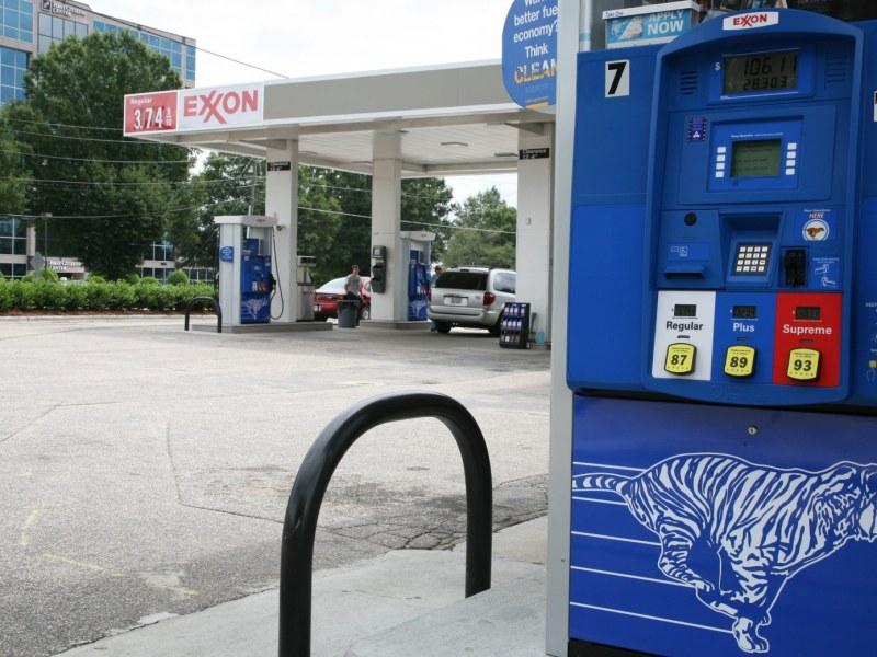 Gasolina en 3 dólares el galón