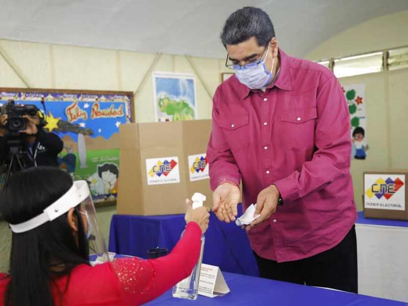 Maduro rechaza abrir frontera de Venezuela con Colombia