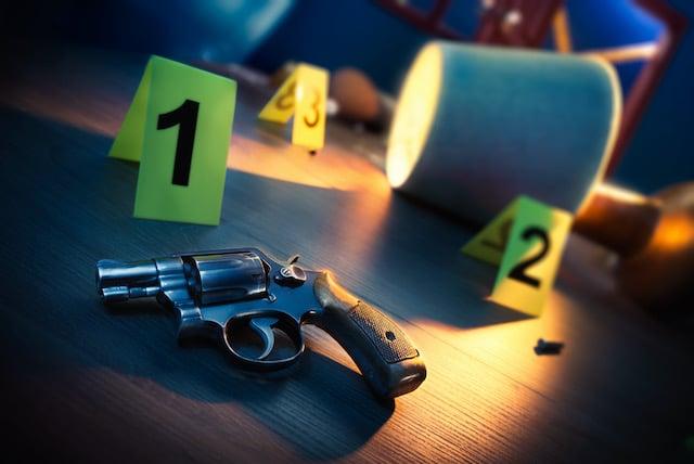 Niño de 2 años dispara a sus padres en casa