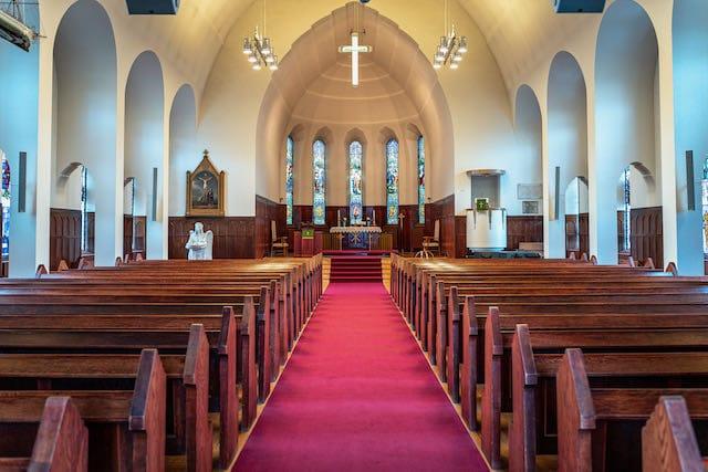 No se requiere mascarillas en iglesias católicas de Charlotte