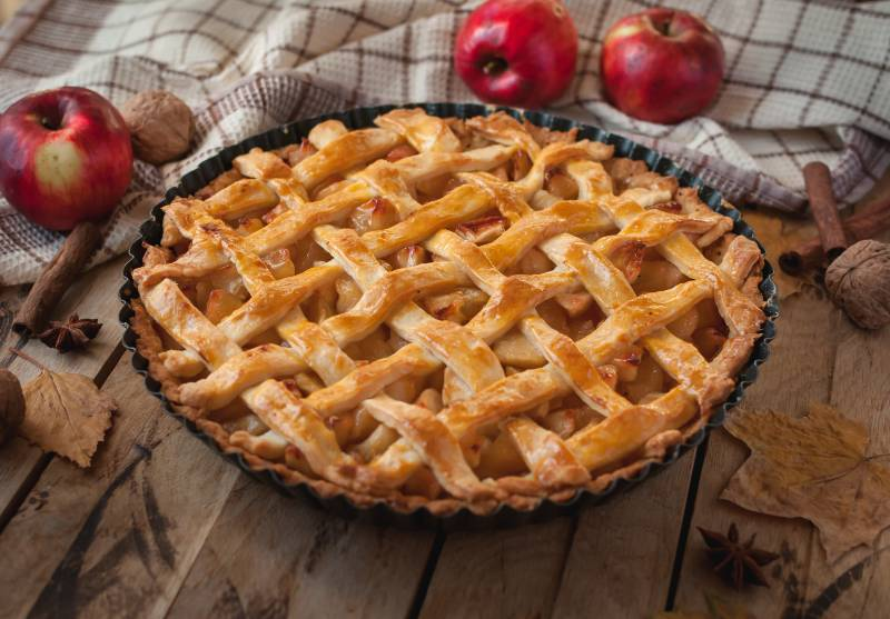 prepara-un-casero-pie-de-manzana-facil-y-delicioso