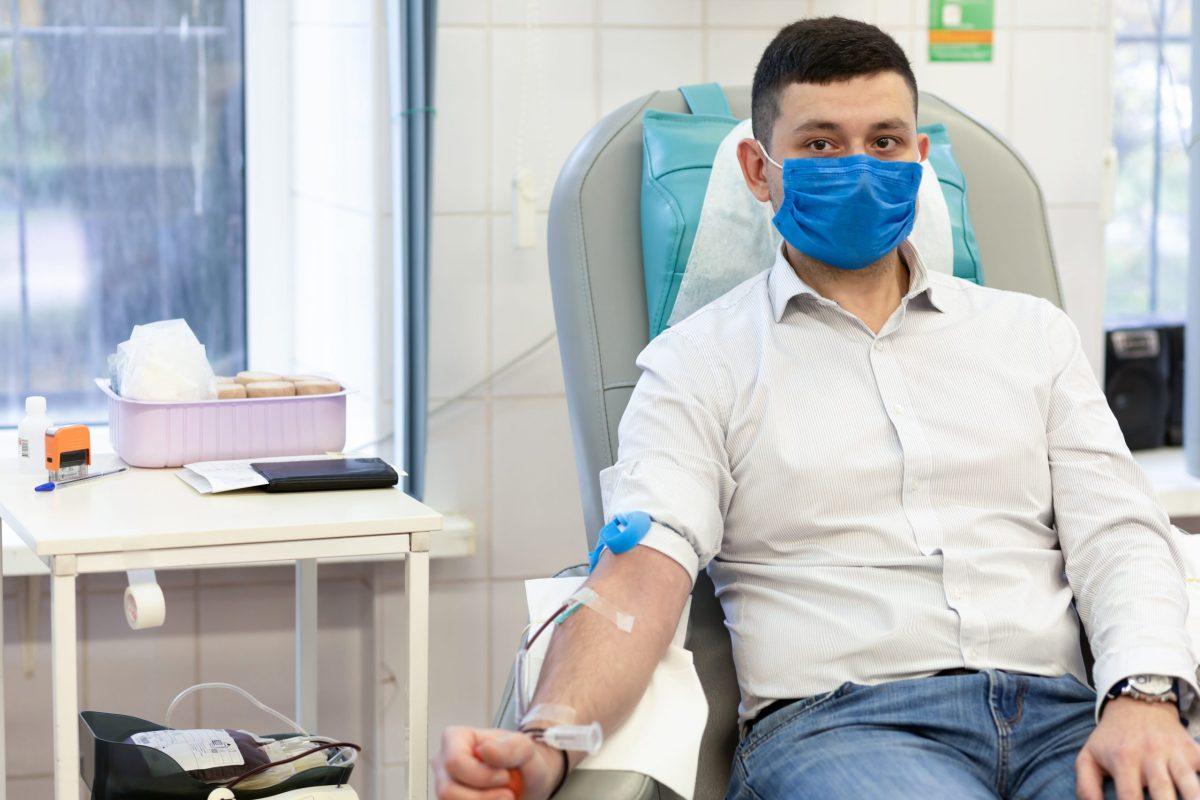 Hoy es el día mundial del donante de sangre. Visite RedCrossBlood.org para hacer una cita para donar sangre en su área. © Елена Якимова / Adobe Stock