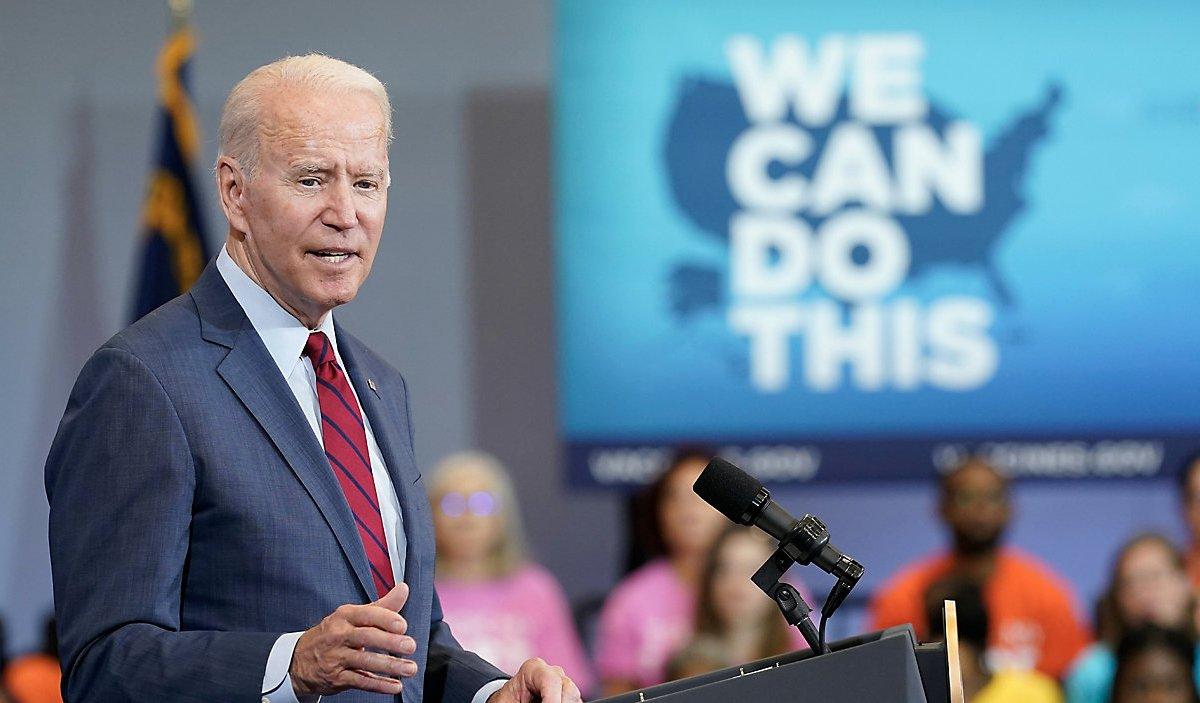 El presidente Biden hablando sobre vacunas contra COVID-19 en Green Road Community Center en Raleigh. Foto AP / Susan Walsh