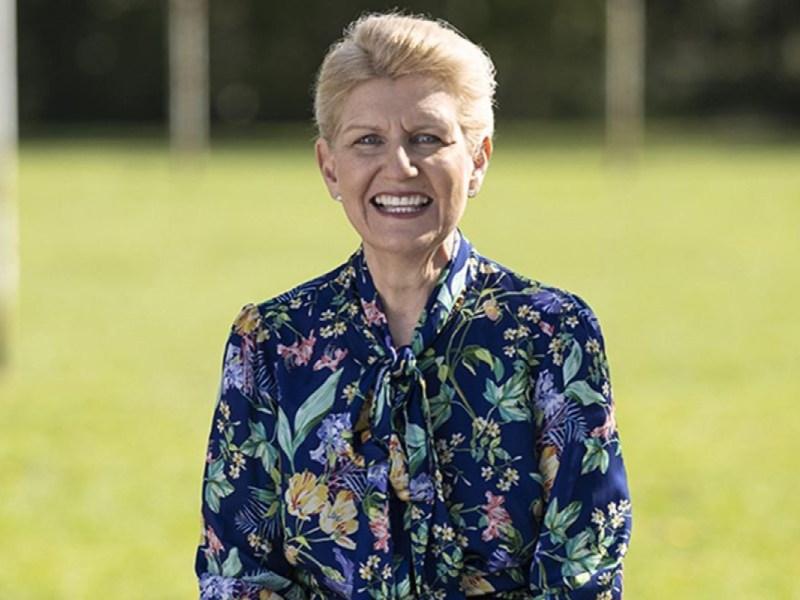 Debbie-Hewitt-Presidenta-Futbol