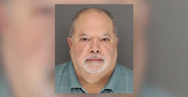 Hombre sentenciado a 19 años por recibir pornografía infantil