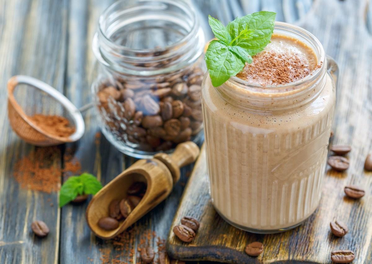 ¿Cómo preparar el café con proteína que es el furor de las redes?