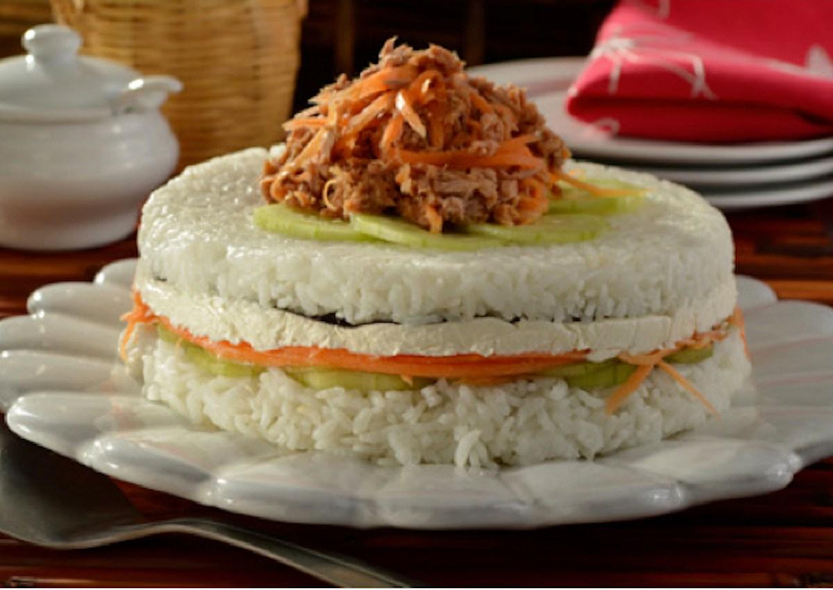 Prepara un original pastel de sushi