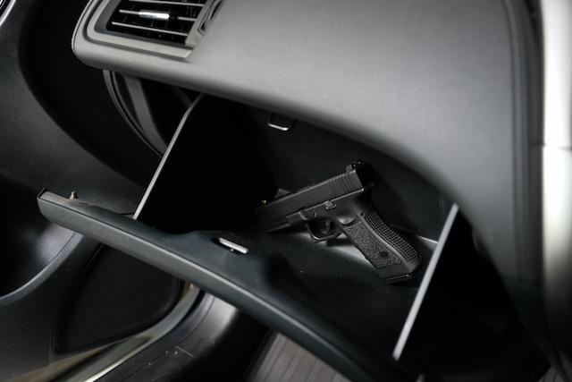 Suben robos de armas de fuego en vehículo de Charlotte