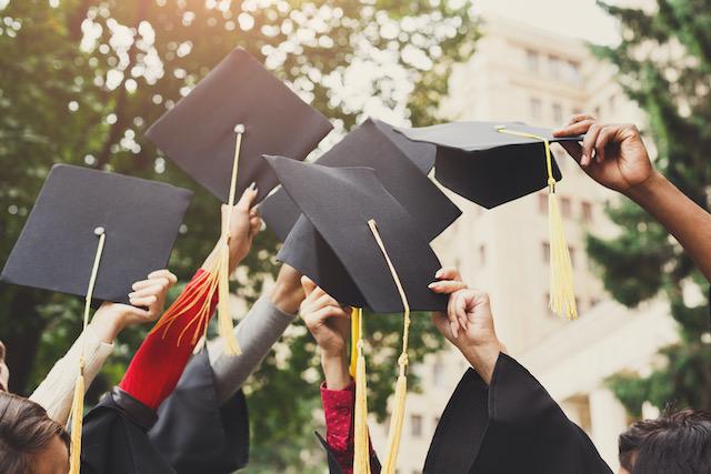 Universidad de Ohio perdona la deuda universitaria de sus estudiantes
