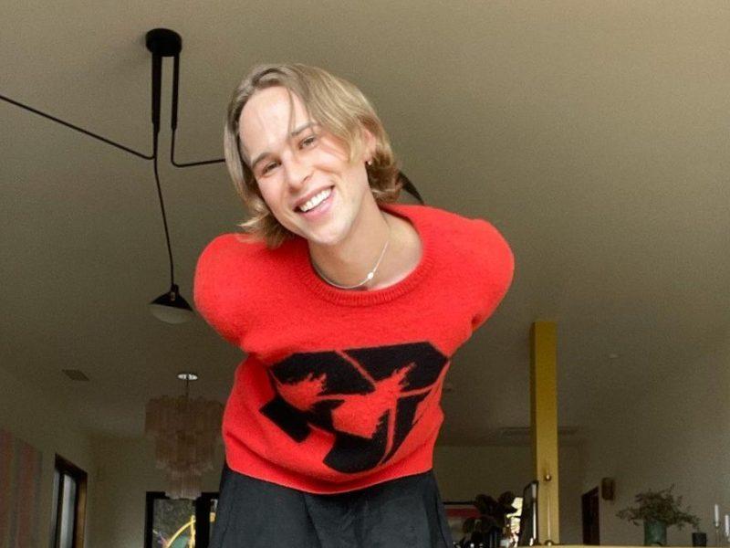 Tommy Dorfman mujer transgénero