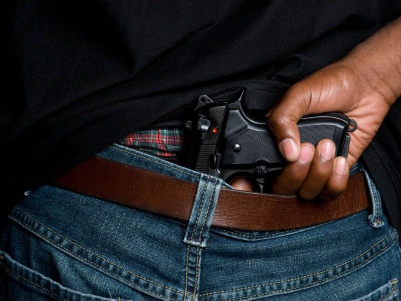 Acusan a 9 miembros de pandilla latina por homicidio y narcotráfico