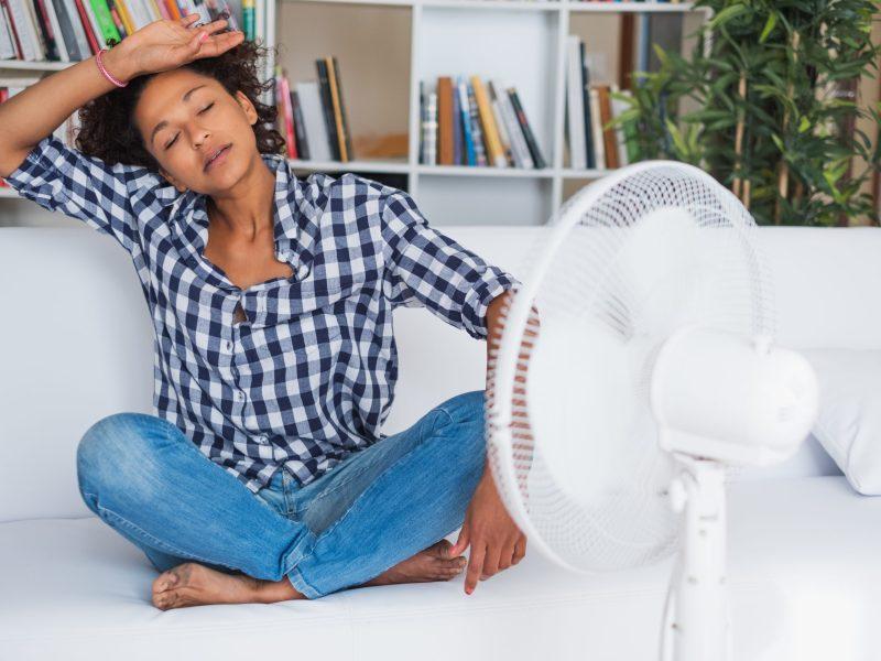 El NCDHHS de Carolina del Norte aconseja a todos que tomen precauciones para protegerse de las enfermedades relacionadas con el calor