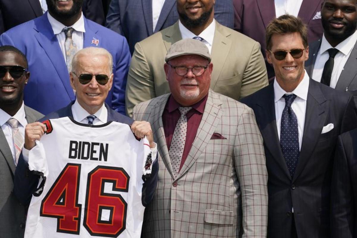Brady-Buccaneers-Casa-Blanca