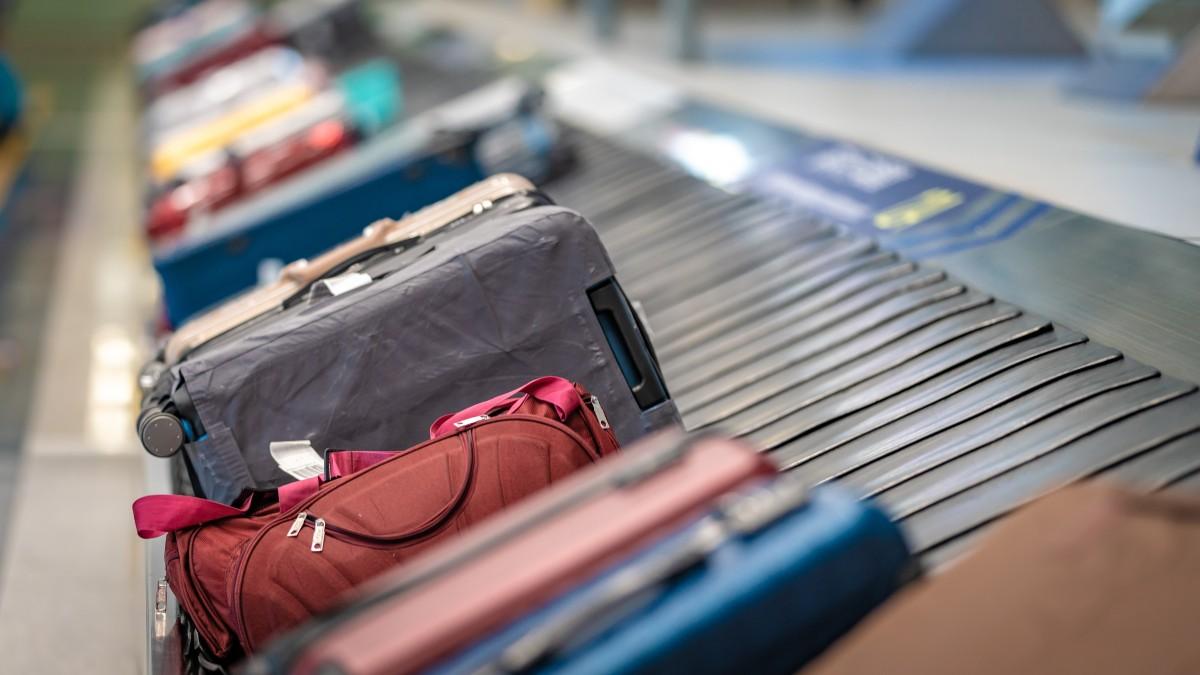 EE. UU. quiere que las aerolíneas reembolsen las tarifas si las maletas se retrasan
