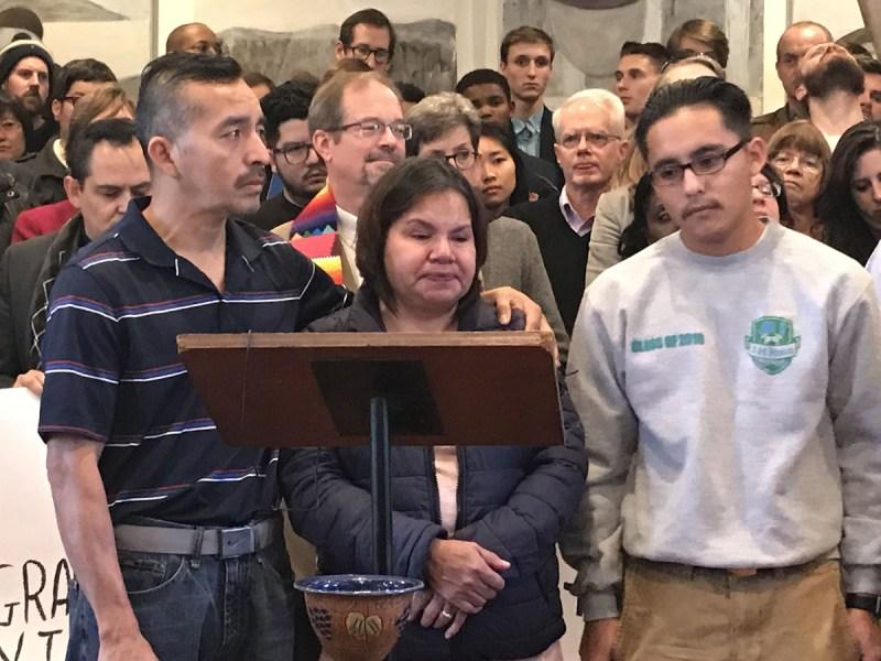 Muere inmigrante que estuvo en santuario por un año