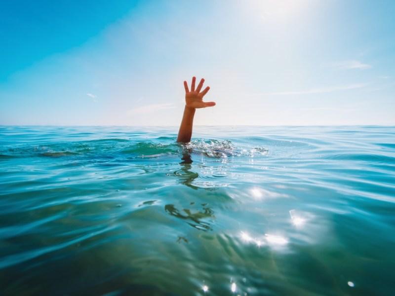 Niño salvado de ahogarse en la costa de Carolina del Norte