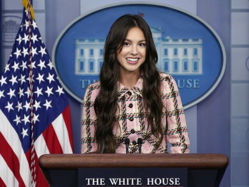 Qué vistió Olivia Rodrigo en su visita a la Casa Blanca