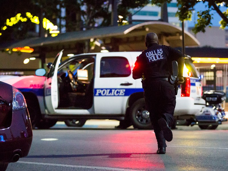 Policía acusado