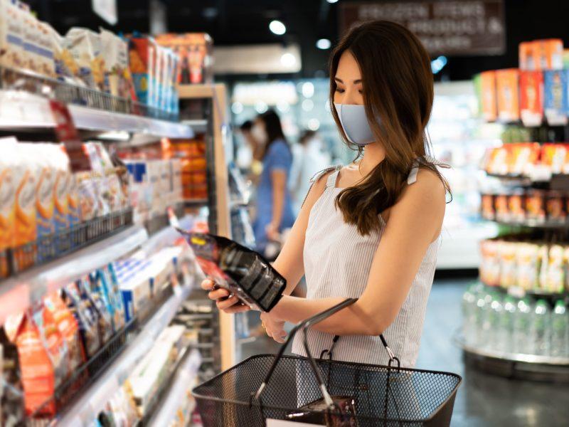 La orden para el uso de mascarillas toma efecto el miércoles 18 de agosto a las 5p.m. © twinsterphoto / Adobe Stock