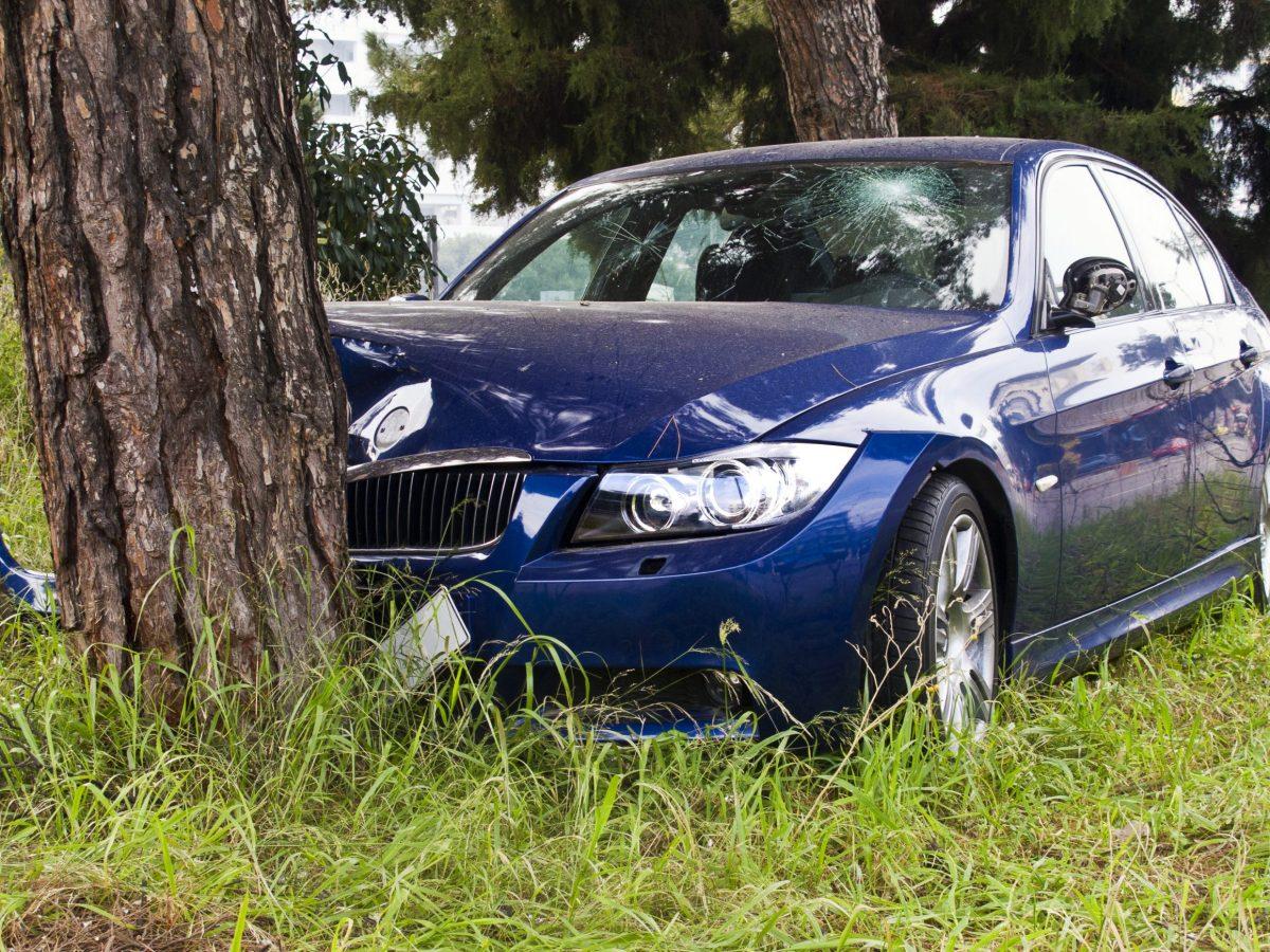 El exceso de velocidad puede haber causado un accidente de fin de semana que mató a dos personas e hirió a otras dos en Eastover en Charlotte.