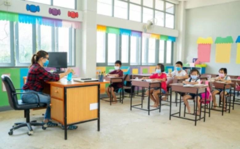 Escuelas discriminación covid