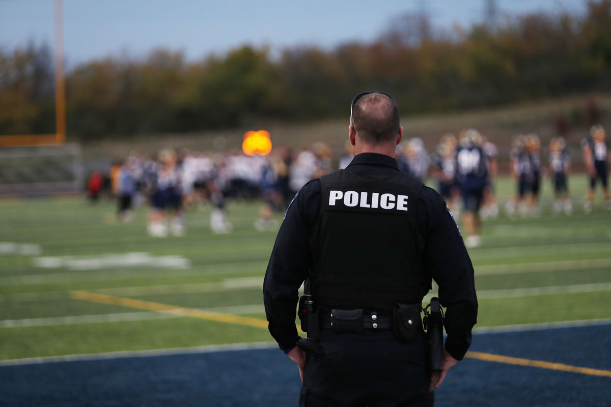 Amenazas en secundarias de Charlotte y Huntersville obliga a aumentar presencia policial