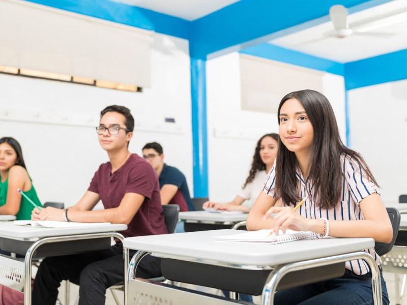 Becas para futuros universitarios latinos ofrece Rumba Meats