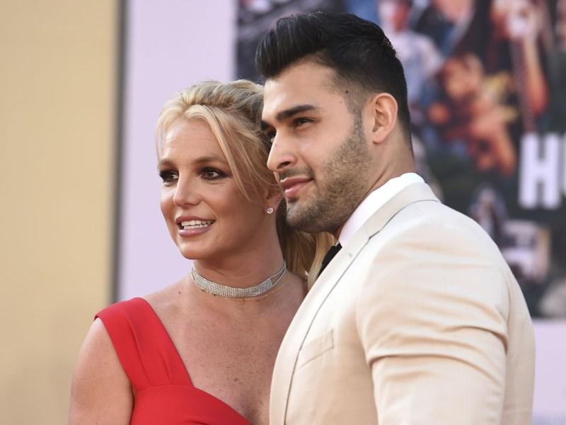 Britney Spears anuncia compromiso con Sam Asghari