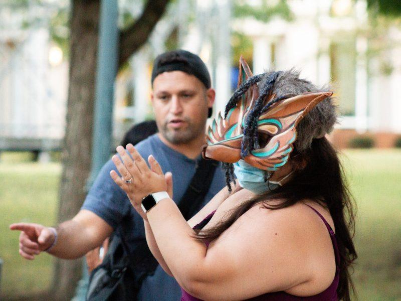 Innovadora obra de teatro sumerge en la experiencia de ser un inmigrante latino en Carolina del Norte