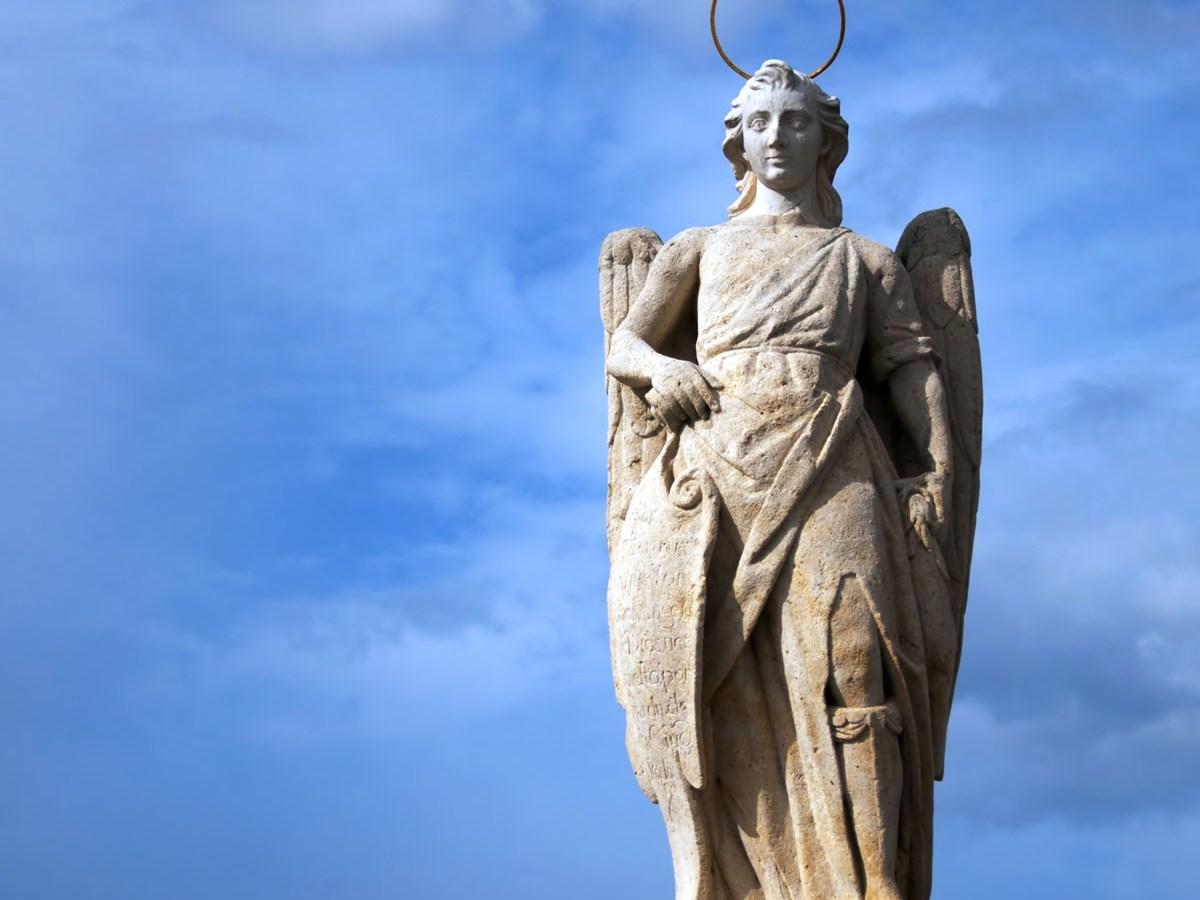 Oración al Arcángel Rafael para sanación de mente y cuerpo
