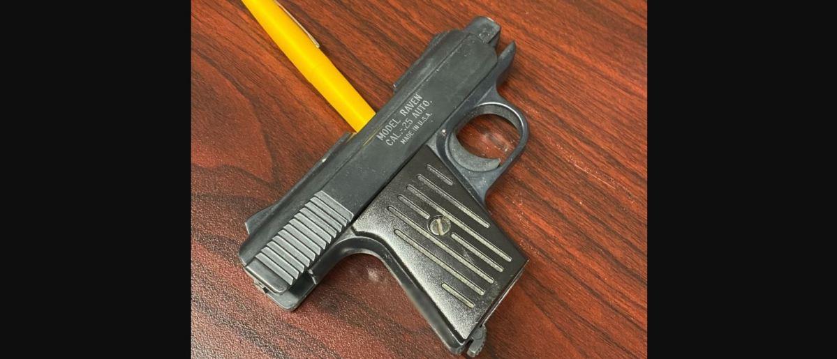 niño pistola escuela california