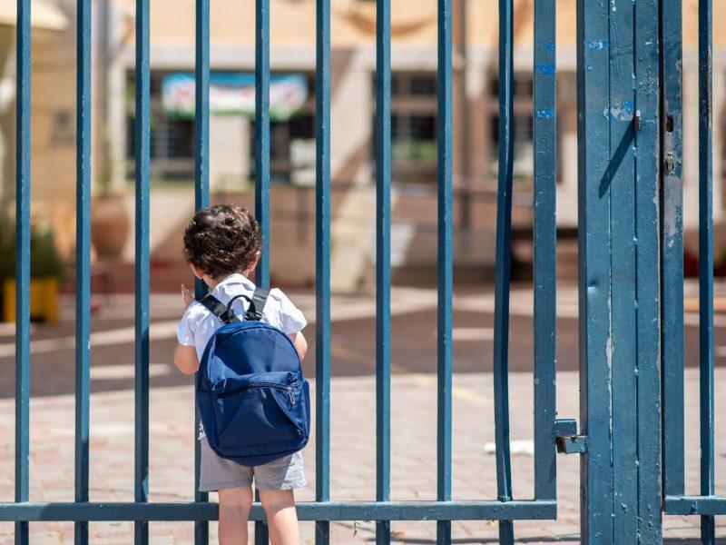 Escuelas de la Triada registran aumento de estudiantes sin hogar. © Inna / Adobe Stock