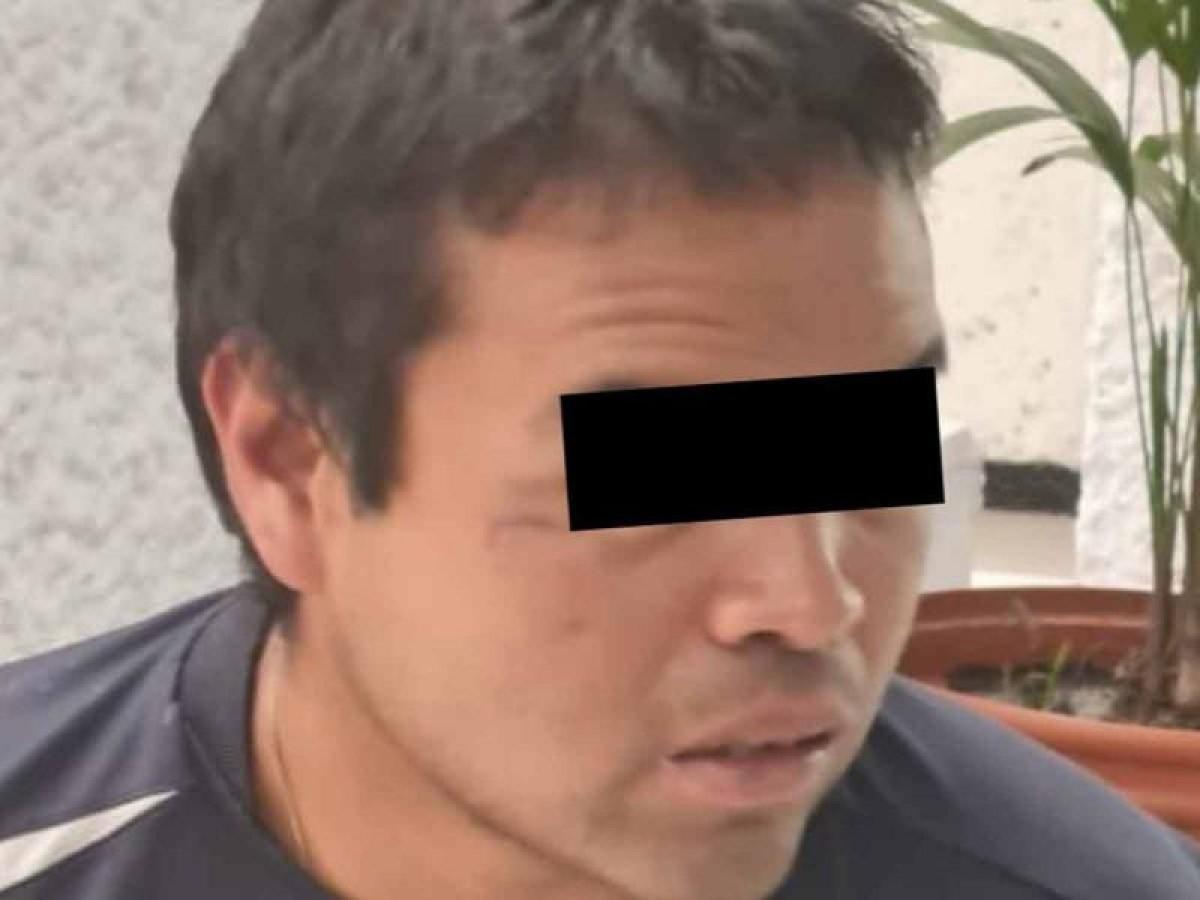 Arrestan latino insultaba golpeaba madre
