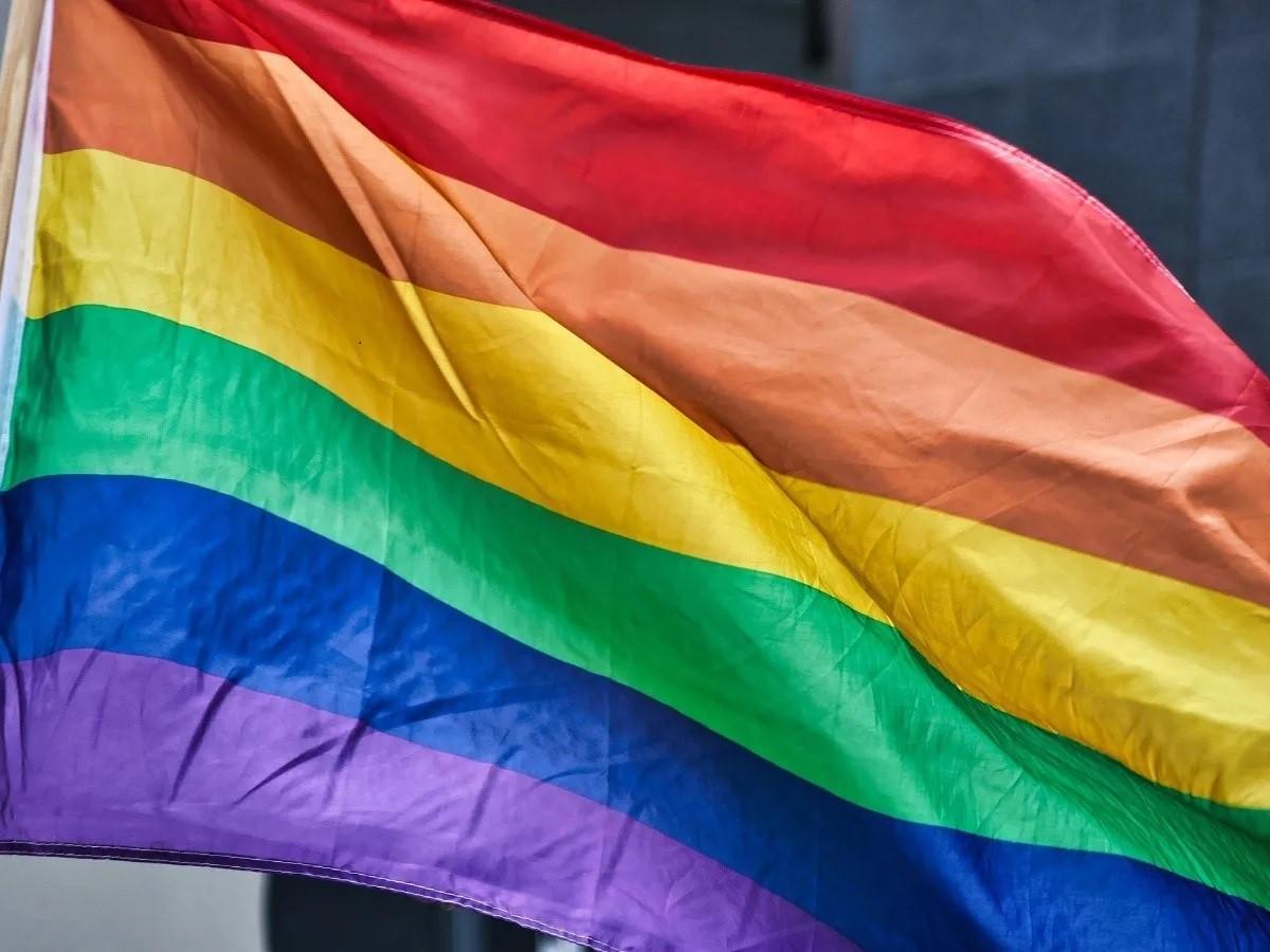 Condenan mujer trans besar niño