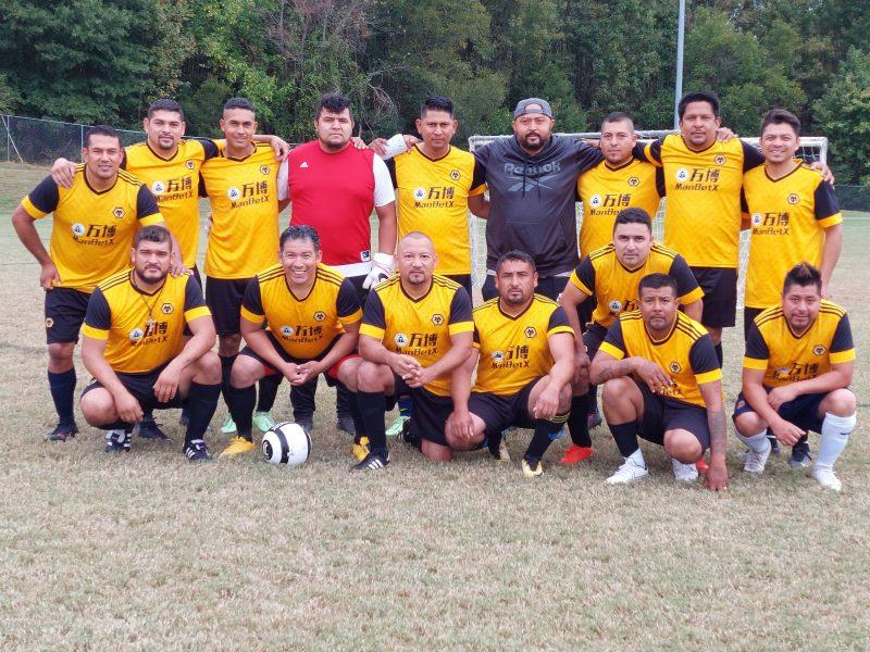 En la fecha 11 se jugó la final de la categoría Master en donde los veteranos dieron su segundo aire con un partidazo entre Los Pumas Vs. Wolves (Foto: Marcos Andón)