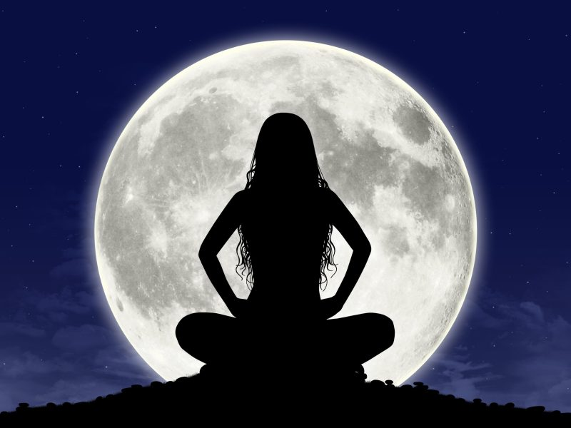 por-que-se-dice-que-somos-lunaticos-influye-la-luna-llena-en-las-personas