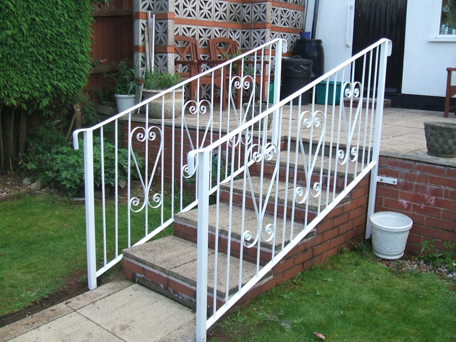 Outdoor Stair Railings – Learn The Facts – Home Decorating Ideas | Home Outside Steps Design | Handrail | Building | Ground Floor | Outer | 1St Floor