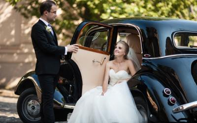Wedding Day Transportation: Finding the best option for your big day