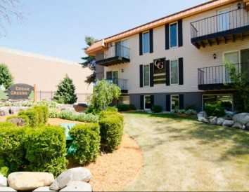 Cedar Greens Are Located In East Lansing Michigan Right Off Of Avenue Features Beautiful Newly Remodeled 1 4 Bedroom Apartment