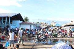 Suasana pasar ikan