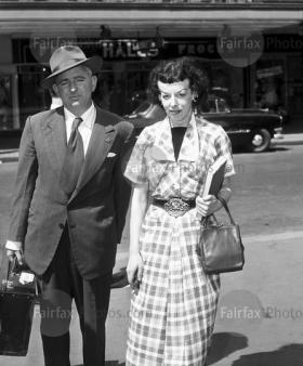 Norton con el editor Walter Glover, 5-2-1953