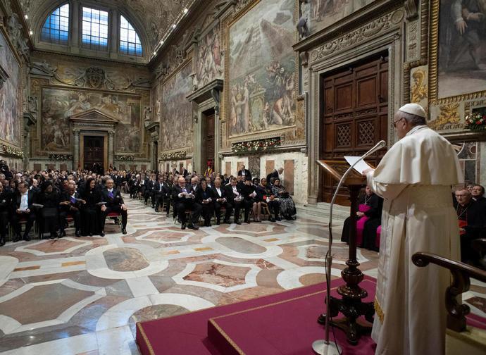 Il Papa al Corpo diplomatico