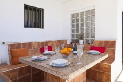 Villa_Vicini_Al_Fresco_Dining